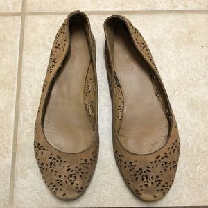 Aldo brown leather flats with floral details